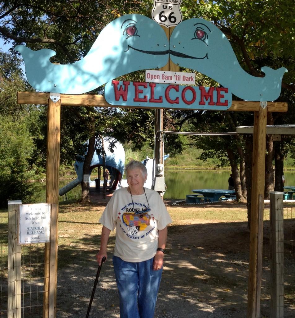 Ilse at the Blue Whale roadside landmark in Caloosa, Oklahoma