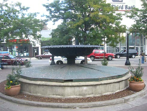 The Algren Fountain (Photo courtesy of the Nelson Algren Commiteee)